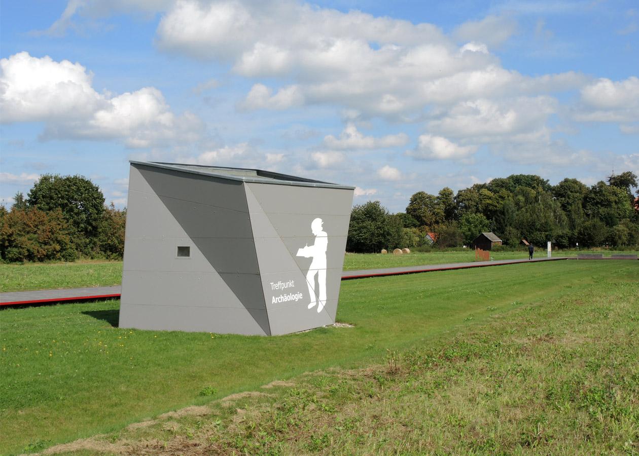 Kleiner Pavillon als Treffpunkt »Archäologie«
